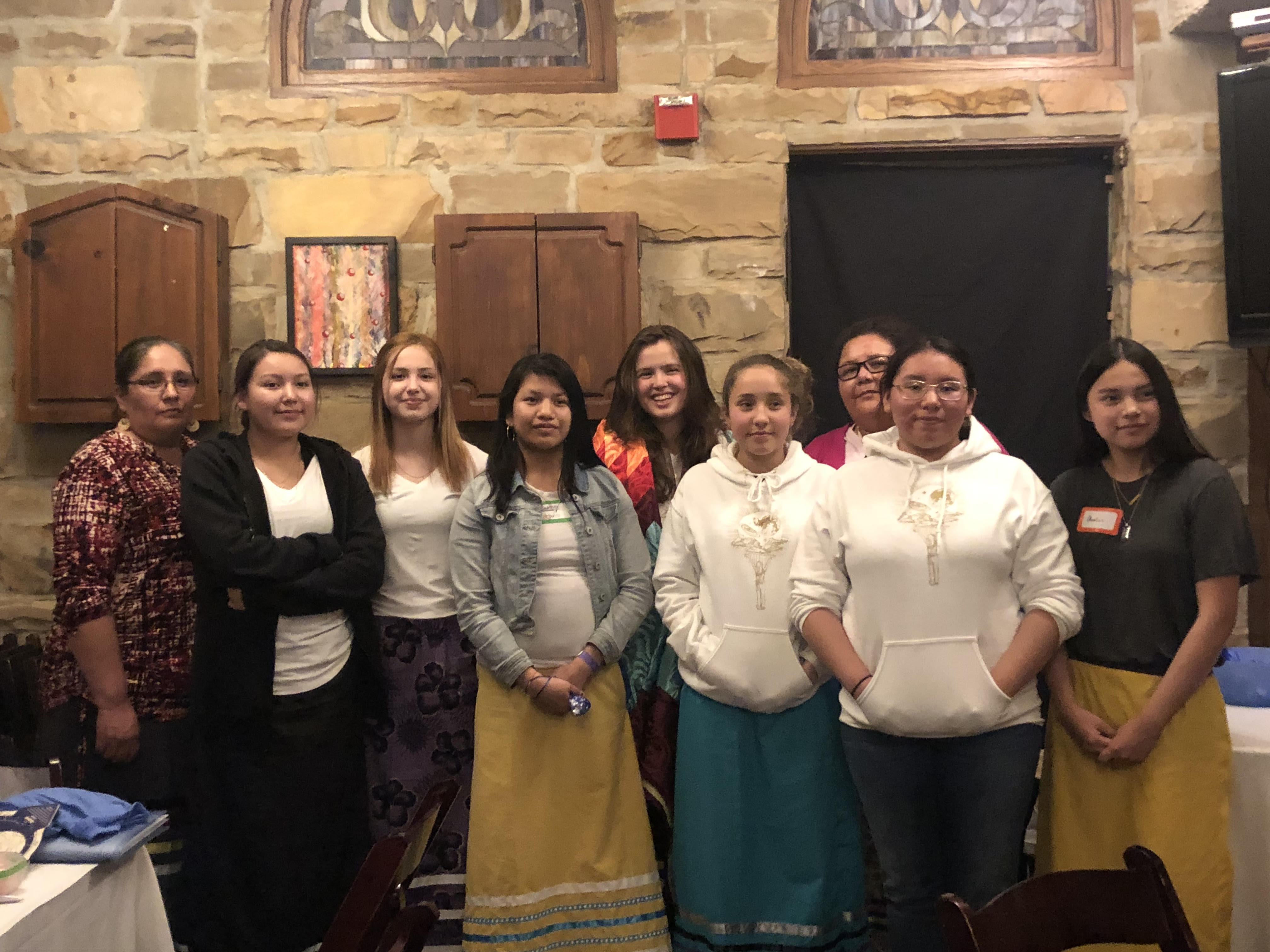 Following the exchange of star stories and science, celebrating the spirit of the entire weekend (here: all of our Lakota guests with LCEP founder Ava Polzin), March 2019